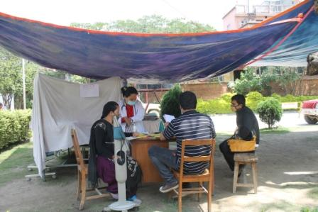 Outdoor maternity service during disaster